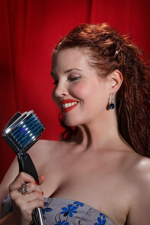 Hire jazz singer Sarah Maclaine from Artist Bookings